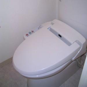 保温洗浄便座トイレ